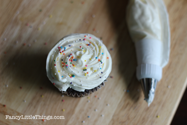 Perfect Buttercream Frosting 01